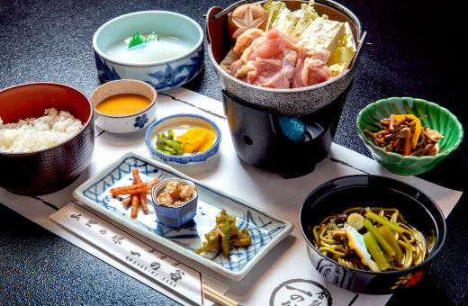 一人鶏鍋定食 2,200円(税込)のイメージ画像